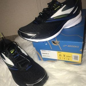 NEW!!! Mens Brooks Running Shoes